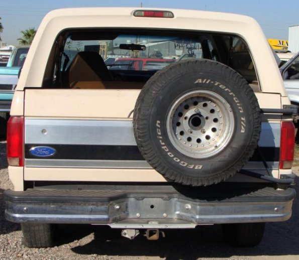 92 ford bronco rear 595