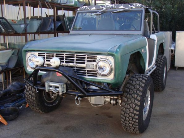 Winch Bumpers Ford ... Lindeen's Early Ford Bronco | Scott Lideens Front Bumper with Winch